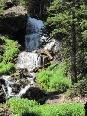 Waterfall, closer up.